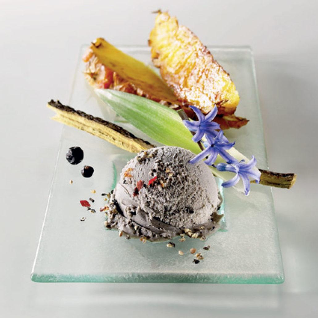 Crème glacée sésame noir