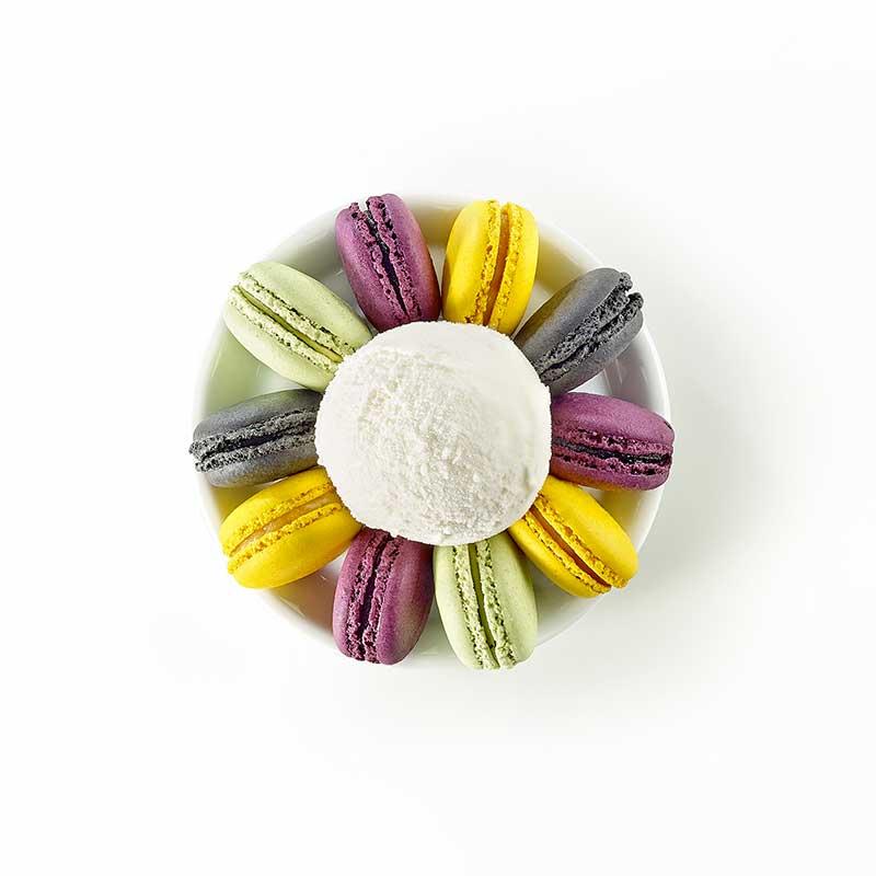 Minis Macarons Cassis, Sésame noir, Thé vert Matcha et Yuzu