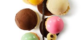PANACHÉ DE CHOUX, PALETS CHOCOLATS (NOIR, BLANC, ET AU LAIT), GOUSSE DE VANILLE ET GLACES VANILLE ET CHOCOLAT
